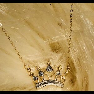Gold Crown Necklace 👑